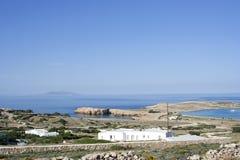 Baías na ilha de Koufonissi foto de stock