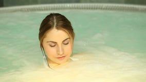 Baño caliente almacen de metraje de vídeo