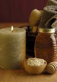 Baño de la miel y de la harina de avena Foto de archivo libre de regalías