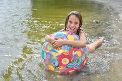 Baño de la muchacha Foto de archivo libre de regalías
