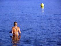 Baño de la mujer joven Imagenes de archivo