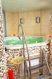 Baño de un Jacuzzi Imagen de archivo libre de regalías