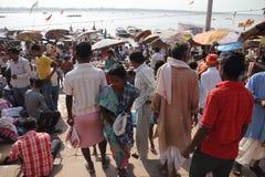 Baño en el Ganges de Varanasi Imagen de archivo