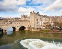 Baño Inglaterra del puente de Pulteney Imágenes de archivo libres de regalías