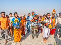 Baño religioso en Kumbh Mela imágenes de archivo libres de regalías