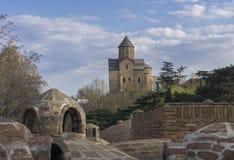 Baños de la iglesia y del azufre de Metekhi tbilisi georgia Imagen de archivo