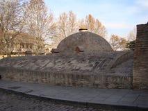 Baños del azufre en el distrito de Abanotubani en la ciudad vieja de Tbilisi Casa de baños en Tbilisi, Georgia Imagenes de archivo