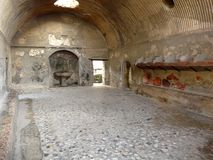 Baños públicos antiguos en la c romana antigua Fotos de archivo
