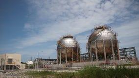 Bańczasty benzynowy zbiornik zbiory