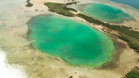Ba?a com ilhas e o recife de corais tropicais Palawan, Filipinas vídeos de arquivo