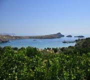 Baai in Lindos, Griekenland Royalty-vrije Stock Afbeeldingen