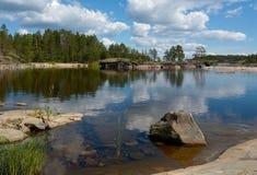 Baai met een steen Stock Foto