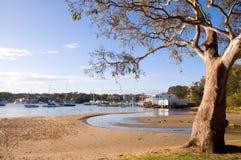 Baai met haven Stock Afbeelding