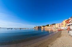 Baai van Baia del Silenzio in Sestri Levante in Italië, Europa Royalty-vrije Stock Afbeeldingen