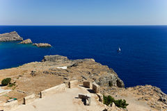 Baai van de Lindos-stad rhodos Griekenland royalty-vrije stock fotografie