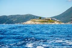 Baai van Kotor Montenegro Eiland met forten Stock Fotografie