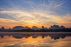 Baan Ta-lekmanna- Nong Detta är det osedda stället på Krabi Royaltyfri Foto