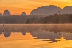 Baan Ta-lekmanna- Nong Detta är det osedda stället på Krabi Arkivfoto