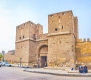 Bab El-Nasr Gatehouse in oud Kaïro, Egypte Royalty-vrije Stock Afbeeldingen