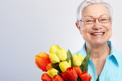 Babcia przy matka dnia ono uśmiecha się Fotografia Royalty Free