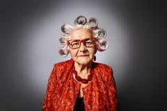 Babcia z curlers obrazy royalty free