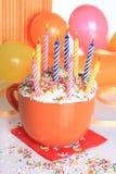 babeczek szczęśliwych urodzinowe świeczki Zdjęcie Royalty Free