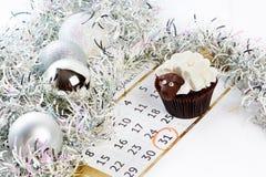 Babeczka baranek z kalendarzem jako simbol 2015 nowy rok odizolowywających Zdjęcia Royalty Free