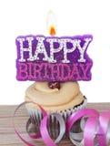 Babeczka z świeczki wszystkiego najlepszego z okazji urodzin Obraz Royalty Free