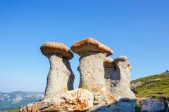 Babele - estructuras rocosas geomorfológicas en Bucegi fotografía de archivo