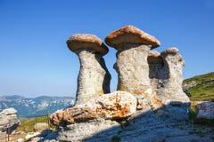 Babele - structures rocheuses géomorphologiques en montagnes de Bucegi image stock