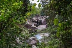 Babinda-Flusssteine in Queensland, Australien Stockbilder