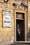 Babingtons茶室 女服务员 罗马西班牙语步骤 意大利 库存图片