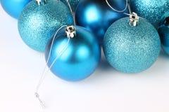 Babioles bleues de Noël Photographie stock libre de droits