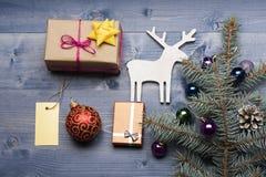 Babioles et décorations de Noël Image libre de droits