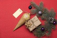 Babioles et décorations de Noël Photographie stock libre de droits