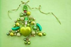 Babioles vertes de Noël Photographie stock libre de droits