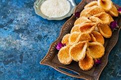 Babouches меда и сезама - популярный арабский десерт Арабский и Стоковые Фото
