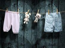 Baby är född  Pojke eller flicka? Fotografering för Bildbyråer