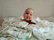 Baby allen in luiers royalty-vrije stock afbeelding