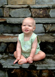 Baby auf Jobstepps Stockfoto