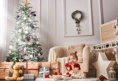 Baby auf Weihnachten lizenzfreies stockbild