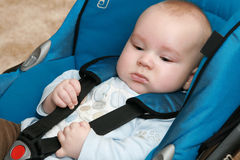 Baby in auto Stock Foto