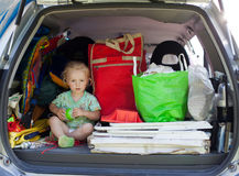 Baby in bagage royalty-vrije stock afbeelding