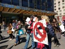 Baby beim März für unsere Leben, Protest für Reglementierung von Waffenbesitz, NYC, NY, USA Stockbilder