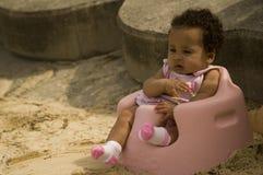 Baby bij strand Royalty-vrije Stock Afbeelding