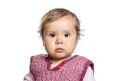 Baby, das für sein erstes Porträt aufwirft lizenzfreies stockbild
