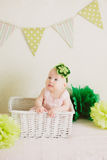 Baby in de doos Royalty-vrije Stock Foto