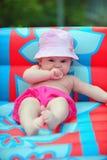 Baby in de pool Royalty-vrije Stock Afbeelding