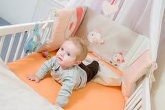 Baby in de voederbak Royalty-vrije Stock Afbeeldingen