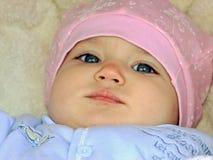 Baby in de wandelwagen voor een gang Royalty-vrije Stock Afbeeldingen